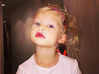 Jessica Simpson's Daughter Raids Her Makeup Drawer (PHOTO)