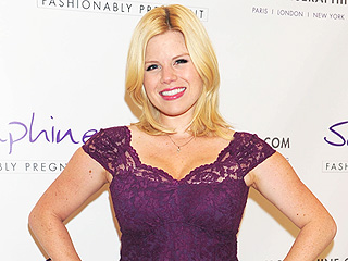 Smashing! Megan Hilty Steps Out 9 Weeks After Baby | Megan Hilty