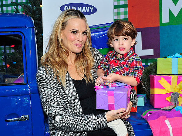 Molly Sims This is Family Old Navy
