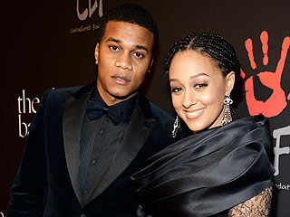 Let It Go! Tia Mowry-Hardrict Potty Trained Son with Frozen Song