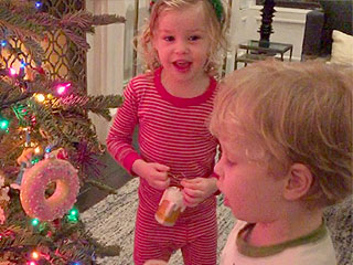 Aww! Watch Neil Patrick Harris's Twins Sing 'Jingle Bells'