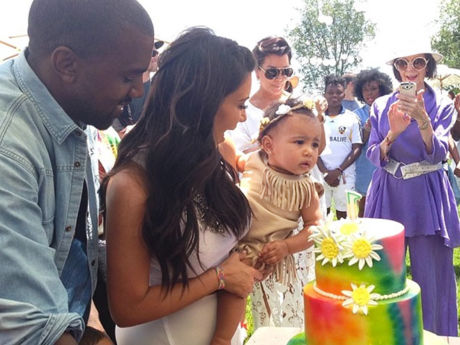 photo | North West, Kanye West, Kim Kardashian