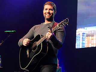 Josh Turner Talks Man Stuff – and His New Book