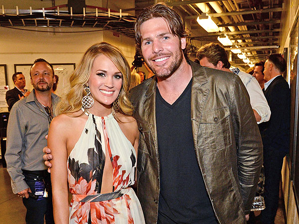 Carrie Underwood at CMT Awards 2014: Singers Talks  Husband Mike Fisher
