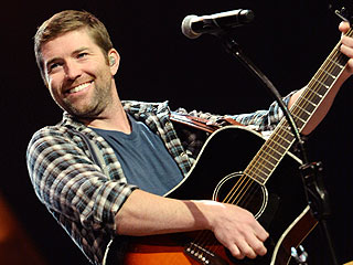 "Hear Josh Turner's Moving Rendition of the ""Star-Spangled Banner"" 