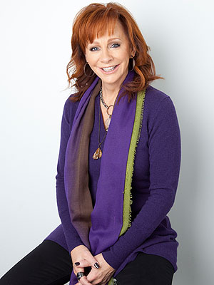 Reba McEntire Encourages Fans to 'Pray for Peace' in New Song, Video