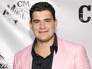 American Idol's Josh Gracin Leaves Apparent Suicide Note on Facebook