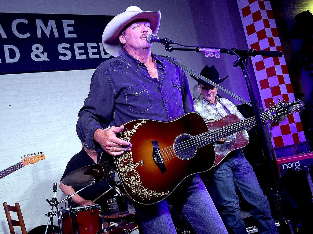 Alan Jackson Nashville Restaurant Opening: Surprise Concert