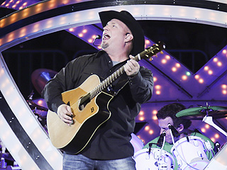 What Made Garth Brooks Stop His Minneapolis Show? Watch the Video