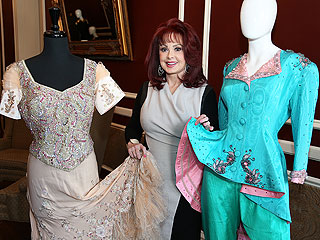 Want to Add Some Sparkle to Your Wardrobe? Naomi Judd Can Help You Out