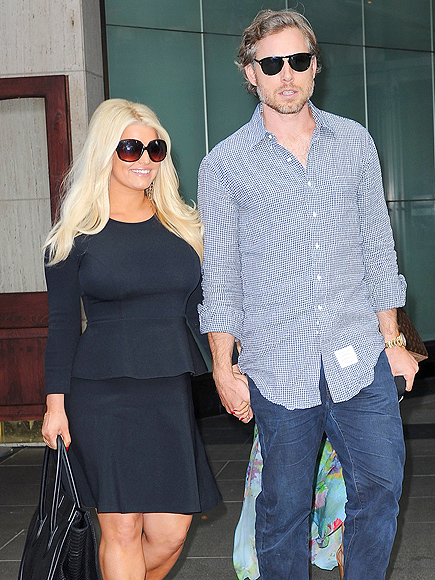 jessica simpson dating history Nicole brown simpson was married to former  history & culture  the two quickly fell for each other and soon began dating oj simpson divorced his .