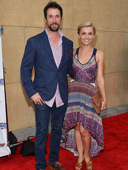 NOAH & SARA photo | Noah Wyle