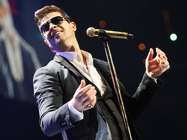 Robin Thicke New York City Super Bowl Party