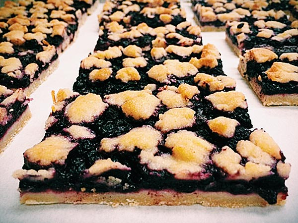 Fancy Boyz Blueberry Pie Bars