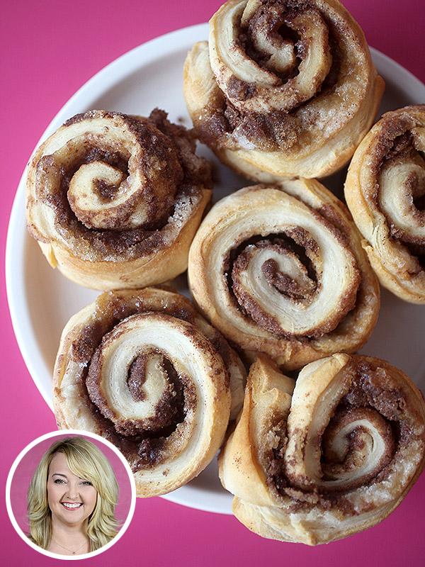 Bakerella's Nutella Cinnamon Roll Muffins