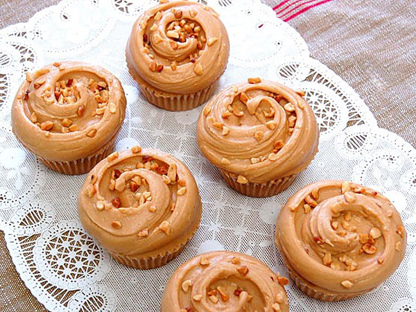 Recipe Magnolia Bakery S Peanut Butter Amp Jelly Cupcakes