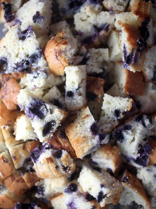Bakerella's blueberry muffin bread pudding