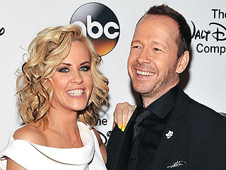 Are Jenny McCarthy and Donnie Wahlberg Getting Married at Applebee's? | Great Ideas, Donnie Wahlberg, Jenny McCarthy