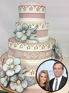 Kenndy Hines wedding cake