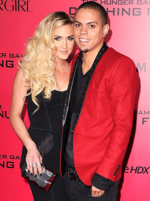 Ashlee Simpson and Evan Ross Wedding Cake