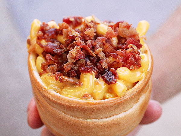 Mac 'n' Cheese in a Bread Cone