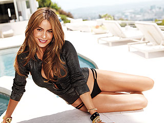 Sofia Vergara Shares Her Workout in Shape