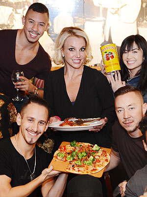 Britney Spears at Buca di Beppo
