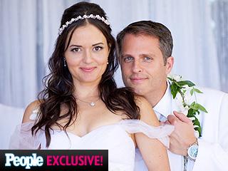See Danica McKellar's 'Luau-Themed' Wedding Cake (PHOTOS)