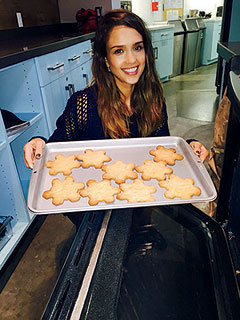 Jessica Alba Bake it Forward