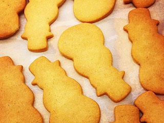 Iron Chef Alex Guarnaschelli's Secret to the Best Gingerbread Cookies