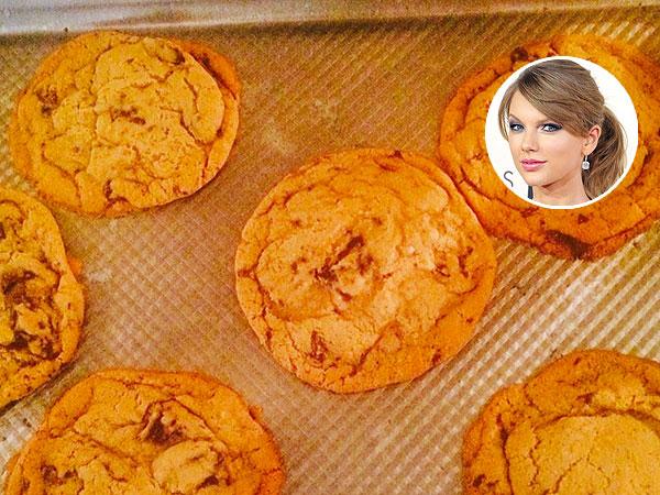 Taylor Swift Instagram Baking Cookies