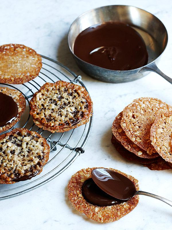 Butterscotch Lace Cookies Recipe — Dishmaps