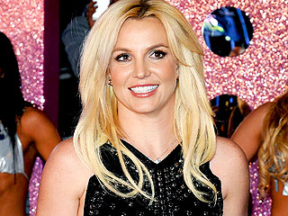 Britney Tweets Sexy Photo from Vegas Show Dress Rehearsal
