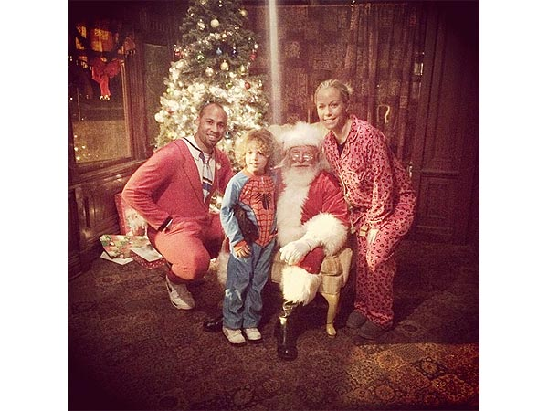 PHOTO: Kendra Wilkinson and Family Get a Visit From Santa