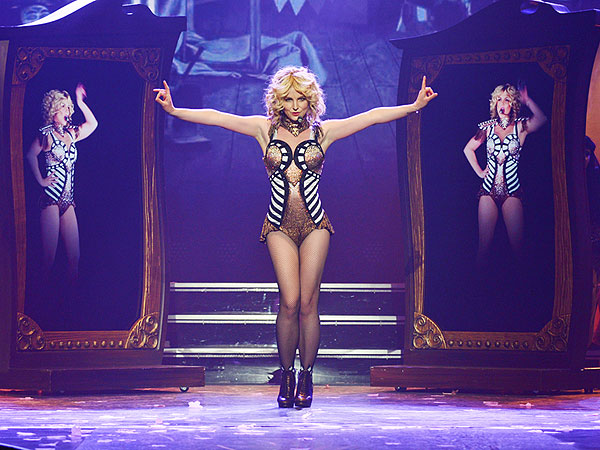 Britney Spears's Vegas Show Draws Katy Perry, Miley Cyrus
