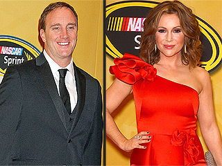 Jay Mohr Apologizes to Alyssa Milano for Baby Weight Diss