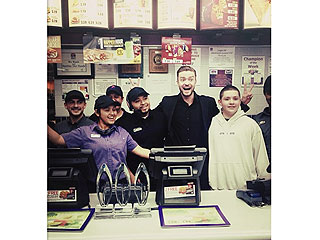 Justin Timberlake Posts Fun Photos from Taco Bell After People's Choice Awards | Justin Timberlake