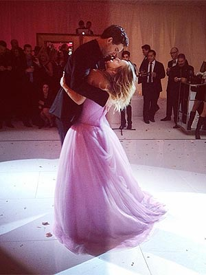 Kaley Cuoco Is Married – All the Details!
