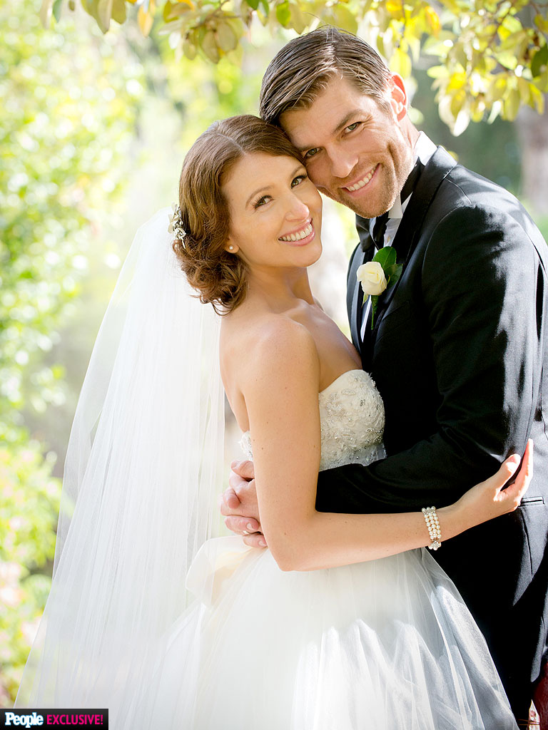 Liam McIntyre Weds Erin Hasan: See the Photos! - Marriage ...