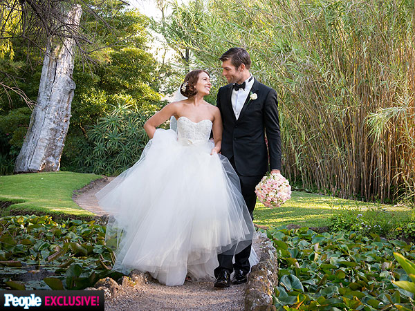 Liam McIntyre Weds Erin Hasan: See the Photos!| Marriage, Weddings, Spartacus