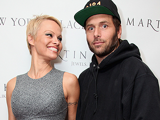 Pamela Anderson Petitions to Dismiss Divorce Against Rick Salomon
