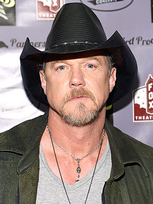 Trace Adkins Checks Into Rehab
