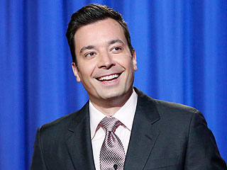Jimmy Fallon Sings 'Hey Jude' in N.Y.C. Bar