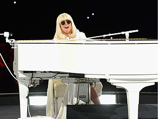 PEOPLE's Social Media Recap of Grammys Weekend | Lady Gaga