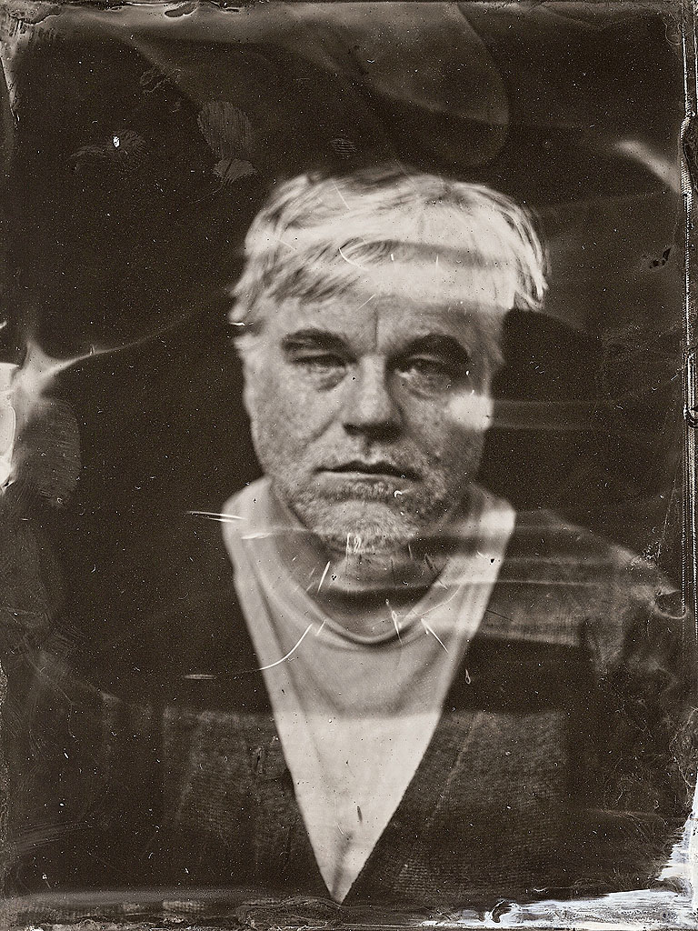 Philip Seymour Hoffman Poses For Haunting Photo Weeks