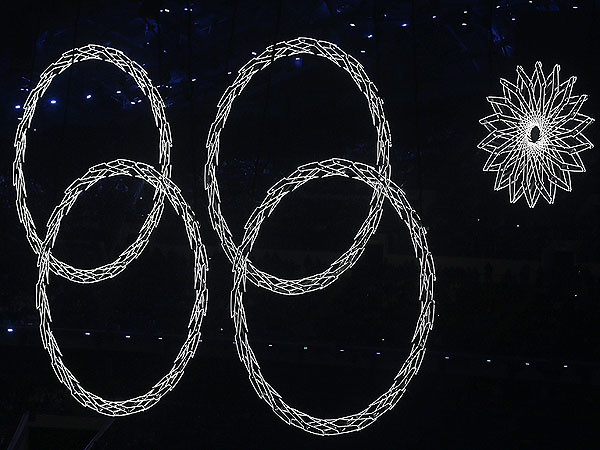 Russian TV Shows Doctored Footage of Opening Ceremony Mishap at Sochi Games