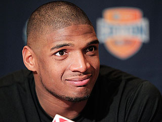 Mizzou Star and NFL Prospect Michael Sam Comes Out as 'Openly, Proud Gay Man'
