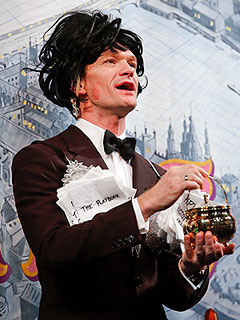 Neil Patrick Harris Honored with Hasty Pudding Award … in Drag!
