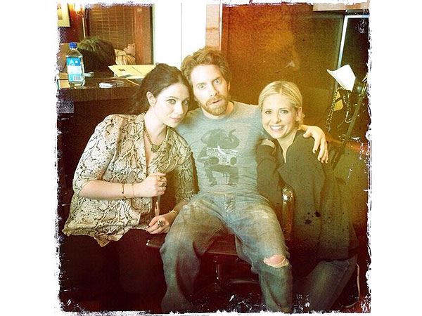 Buffy Reunion! Sarah Michelle Gellar Posts Twitpic with Former Castmates | Sarah Michelle Gellar