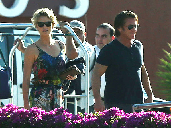 Charlize Theron and Sean Penn 'Inseparable' on Mexican Vacation